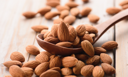 Almonds must be identified by the name of the specific nut