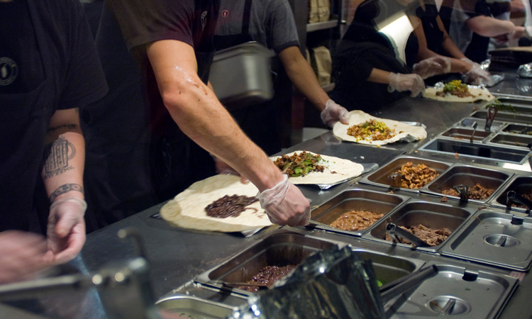 Chipotle to pay $25 million federal fine in foodborne illness case