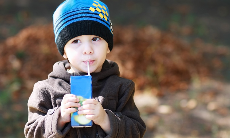 Children's fruit drinks need clearer and better regulated labels, says study