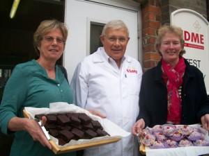 Jill Richardson (l) and Emma Pitt-Steele (r) from Ipswich Coeliac Group with Edme's technical baker Richard Ball