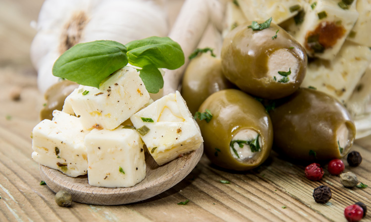 UNFI recalls Arla Apetina Marinated Feta & Olives in Oil, Pitted due to possible health risk